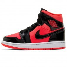 Фотография 1 Мужские Nike Air Jordan 1 Bred Features Contrasting Patent Leather With Nylon
